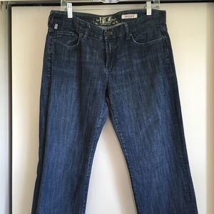 """""""It"""" Jeans of Los Angeles"""